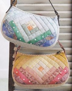 Lots of really cute patchwork bags Fabric Handbags, Quilted Handbags, Fabric Purses, Quilted Bag, Fabric Bags, Japanese Patchwork, Patchwork Bags, Bag Quilt, Pouch Pattern