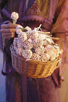 Jasmin tunisian bouquet. Wedding planner : Ameliage.fr Photo : www.a-vos-amours.fr