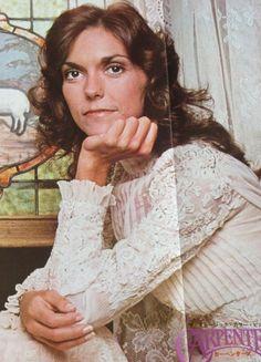 Richard Carpenter, Karen Carpenter, Beautiful Voice, Most Beautiful, 70s Rock Bands, Karen Richards, Gone Girl, Celebs, Celebrities