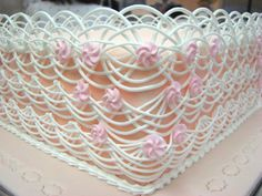 Close up of amazing lace work by Michelle Sweeny - Baker and Pastry Artist