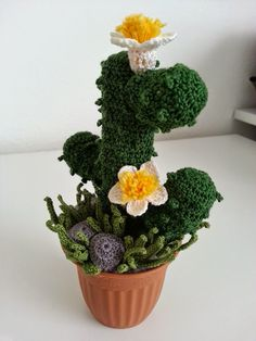 Amigurumi cactus with beads and flower I made for my mother in law.best 25 crochet cactus ideas only onIdea how to get cacti look better Cacti And Succulents, Planting Succulents, Cactus Plants, Planting Flowers, Crochet Cactus, Cute Crochet, Crochet Toys, Crochet Flower Patterns, Crochet Flowers