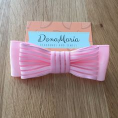 So glad to introduce those super cute bows! New product on my little store! Every detail is important to offer you the greatest final product 🎀💝. I'm so in love with them 😅💕. This is the BOLD bow from my first set, more to come! 😉