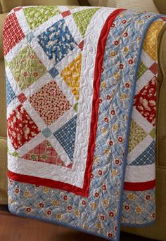 Quilt-pattern-with-charm-squares.jpeg (350×510)
