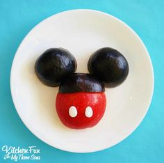 Use fruit to make this simple and healthy Mickey-shaped snack.