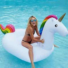 Cheap buoy pool, Buy Quality pool buoys directly from China piscina boia Suppliers: Inflatable Unicorn Pool Float Swimming Ring Inflatable Pool Toys Giant Unicorn Float Boia Piscina Pool Party Inflable Buoy Giant Inflatable Unicorn, Inflatable Pool Toys, Inflatable Float, Summer Pool, Summer Fun, Summer Vibes, Party Summer, Free Summer, Summer Bucket