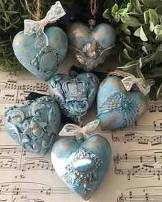 Christmas Balls Decorations, Christmas Ornaments, Christmas Home, Vintage Christmas, Iron Orchid Designs, Heart Crafts, Decoupage Paper, Handmade Ornaments, Hanging Ornaments
