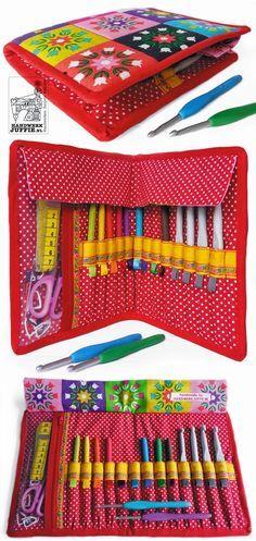 DIY: Sew yourself a handy storage case for your favorite crochet hooks. By Handwerkjuffie.