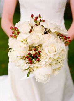 Photography: Lisa Lefkowitz - www.lisalefkowitz.com  Read More: http://www.stylemepretty.com/2010/06/25/california-rustic-barn-wedding/