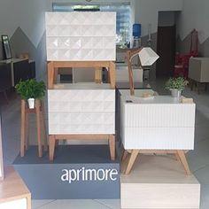 Vem conhecer nosso show room em Pedreira e conferir essas belezuras de perto 😍. . Visite também nosso site www.aprimoredecor.com.br . #criadomudobranco #criadomudo #moveis #criadodesign #moveisdecor #decoracao #lojaempedreira #pedreira #showroom #moveisdesign #cool #furniture #aprimoredecor Toy Chest, Storage Chest, Accent Chairs, 3d, Cabinet, Furniture, Home Decor, Wood Chest, Painting Furniture