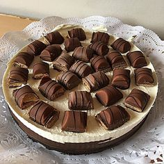 📌Kínder Bueno Sweet Tooth, Photo And Video, Baking, Desserts, Food, Sweets, Kuchen, Tailgate Desserts, Deserts