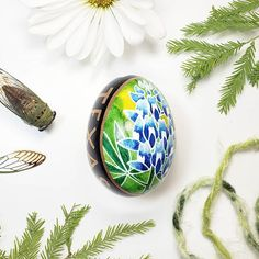I have gotten the chance to live in several states over my life so far but Texas has always been my home and I really love driving in the hill country and seeing the red and blues along the roads.    #egg #eggshell #art #craft #crafts #flower #wildflowers #nature #texas #texan #texaswildflowers #texasmade #texaswildlife #madeintexas #handcrafted #handmade #bluebonnet #indianpaintbrush #pysanky #pysanka #ukraine #dentontexas #dallastexas #texaspride #texaslife #easter #easteregg #texasgift