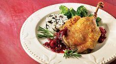 Cuisses de canard confites et chutney aux petits fruits et au poivre rose