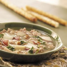 Spinach Sausage Soup 10 ServingsPrep/Total Time: 30 min. Ingredients 1 pound bulk Italian sausage 4 cans (14-1/2 ounces each) chicken broth 8 small red potatoes, quartered and thinly sliced 1 envelope Italian salad dressing mix 2 cups fresh spinach or frozen chopped spinach