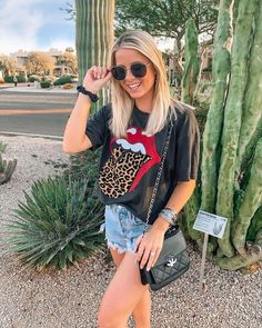 Black Leopard Rock N Roll Tongue Graphic Tee – American Nomad Casual College Outfits, Stylish Summer Outfits, Teenager Outfits, Trendy Outfits, Cute Outfits, Band Tee Outfits, Graphic Tee Outfits, Cool Graphic Tees, Shirt Outfit
