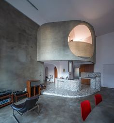 terrazzo sections + curved corners complete modernist apartment interior in vietnam Design Lab, Design Trends, Pop Design, Sketch Design, Design Concepts, Louis Kahn, Ho Chi Minh, Journal Du Design, Apartment Makeover