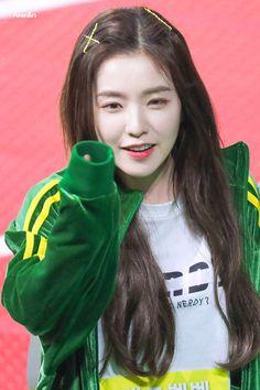 Nayeon Bias Wrecke r Seulgi, Kpop Girl Groups, Korean Girl Groups, Kpop Girls, Red Velvet アイリーン, Red Velvet Irene, Red Valvet, South Korean Girls, Swagg