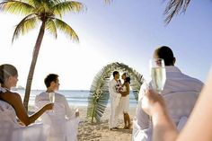 Riu Palace Tropical Bay Offers All Inclusive Jamaica Honeymoon And Wedding Packages In Negril Make Your Caribbean Planning Easy