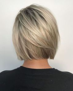 50 Hot New Short Bob Hairstyle Ideas - Best Comely-Fashion and Style Ideas and Inspirations Modern Bob Haircut, Modern Bob Hairstyles, Stacked Bob Hairstyles, Bob Hairstyles For Fine Hair, Hairstyles Haircuts, Classy Hairstyles, Chin Length Hairstyles, Vintage Hairstyles, Blonde Bob Haircut