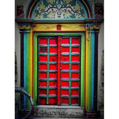 #instar #india #photooftheday #instagood #ink361 #iphone3gs #goblinmag #door 인도이야기67 - @bluerain_ | Webstagram