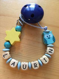 Nuggikette mit Name Laurin. Super Geschenk zur Weihnachten! Die Kette kann auch an anderen Sachen befestigt werden z.B. An einem Beissring, am Nuschi, einem Spielzeug...