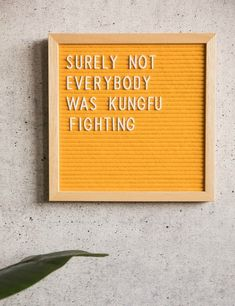 Felt letter board inspiration quotes. Felt letter boards in Europe.