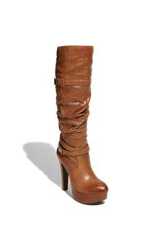 I like Jessica Simpson shoes. Jessica Simpson Boots, Jessica Simpson Style, Hot Shoes, Shoes Heels, Fashion Boots, Fasion, Girl Fashion, Long Boots, Fall Shoes