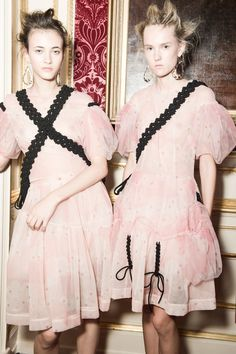 simone rocha's pretty in pink spring/summer 16 | read | i-D