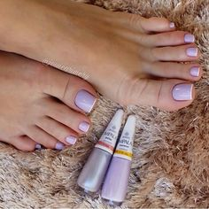 Será que trabalhar como Manicure dá dinheiro? Salve este pin e clique na foto para Descobrir 🤔 Pretty Toe Nails, Cute Toe Nails, Nails Polish, Gel Nails, Trendy Nail Art, French Tip Nails, Toe Nail Designs, Perfect Nails, Beauty Nails