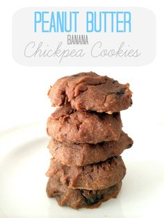 Grain-free peanut butter banana chickpea cookies loaded with protein and fiber Vegan Treats, Healthy Desserts, Healthy Breakfasts, Vegan Baking, Healthy Baking, Peanut Butter Banana Cookies, Chocolate Cookies, Chocolate Chips, Chickpea Cookies