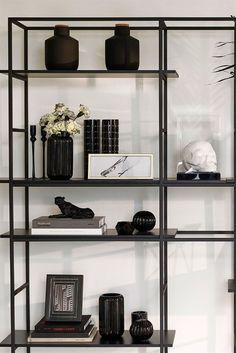 Estante ferro preta - decoração preto e branco