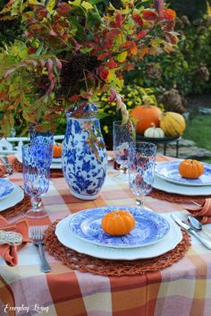 8 Favorite Autumn Tablescapes Thanksgiving Parties, Thanksgiving Tablescapes, Fall Harvest, Autumn, Floating Table, Plaid Tablecloth, Old Oak Tree, Simple Centerpieces, Fall Table