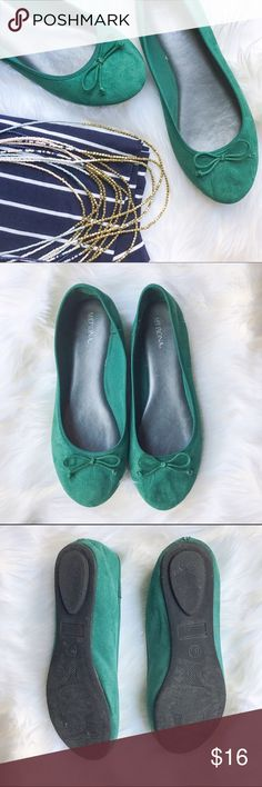 Emerald Ballet Flats Beautiful emerald/jade green ballet flats with a sweet bow detail. These are a reposh and we're never worn by me. They are in great condition, with a small flaw at the heel as pictured. Merona Shoes Flats & Loafers