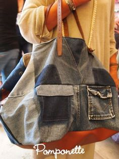 denim tote bag from recycled jeans .  CABAS EN JEAN VIEILLI