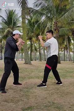 Self Defense Moves, Self Defense Martial Arts, Kung Fu Martial Arts, Martial Arts Workout, Martial Arts Training, Mixed Martial Arts, Martial Arts Styles, Martial Arts Techniques, Self Defense Techniques