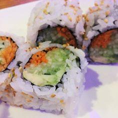 Vegetable sushi 🍽 • • • #lbloggers #lblogger #lifestyleblogger #lifestylebloggers #fblogger #fbloggers #fashionblogger #fashionbloggers #bblogger #bbloggers #beautyblogger #beautybloggers #beauty #fashion #lifestyle #blog #blogger #accessories #style #foodporn #food #vegetables #sushi