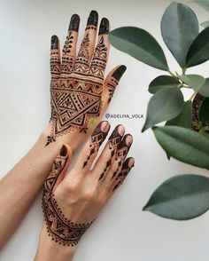 Reasons Why It's Awesome to Get a Tattoo Henna Hand Designs, Eid Mehndi Designs, Modern Henna Designs, Indian Henna Designs, Latest Mehndi Designs, Henna Tattoo Designs, Henna Tattoos, Henna Mehndi, Henna Art