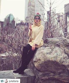 Que tal se inspirar no look da Julia Faria e usar uma bota Sylt?  #adoro #adoropresentes #sylt #lojavirtual #lojaonline #botas #botasovertheknee #overtheknee #otk #boots #look #juliafaria #shoes #sapatos #moda #modafeminina #womansfashion #fashion #winter #nyc #inverno