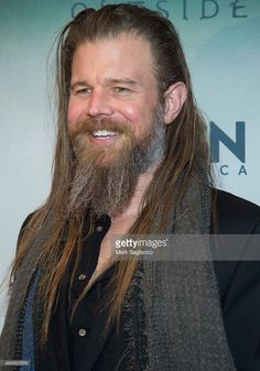 actor-ryan-hurst-attends-the-11th-annual-new-york-television-festival-picture-id493820916 (716×1024)