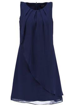 Sukienki koktajlowe - niezbędne w każdej kobiecej garderobie. http://womanmax.pl/sukienki-koktajlowe-niezbedne-kazdej-kobiecej-garderobie/