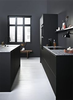 Super matt black cabinets give you a sophisticated and minimalistic kitchen design. Dark Kitchen Cabinets, Black Cabinets, Modern Cabinets, Old Kitchen, Kitchen Redo, Kitchen Remodel, Kitchen Dining, Inside Home, Dark Interiors