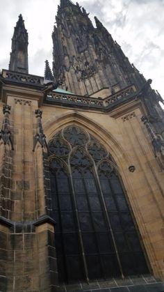 Прага- Собор Святого Вита Barcelona Cathedral, Louvre, Building, Travel, Viajes, Buildings, Traveling, Trips, Tourism