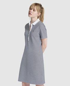 Moda. Vestido con estampado de rayas de mujer Lacoste con cuello tipo polo fd427bf37c