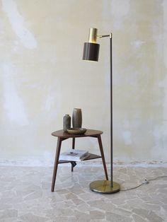 """50s modern danish teak coffee table - """"Studio"""" floor danish lamp, design Jo…"""
