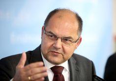 Landwirtschaftsminister Schmidt: Muslime und Flüchtlinge müssen Leitkultur anerkennen - http://www.statusquo-news.de/landwirtschaftsminister-schmidt-muslime-und-fluechtlinge-muessen-leitkultur-anerkennen/