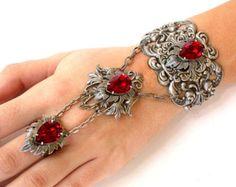 Anillo gótico novia esclava pulsera rojo por LeBoudoirNoir en Etsy