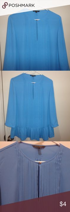 Small Banana Republic Peplum Blouse first couple pics are true color, then took flash off so you can see pleats  very gently used, no holes or stains  polyester , machine washable  armpit to armpit 19.5  length 26  12/3---f13 Banana Republic Tops Blouses