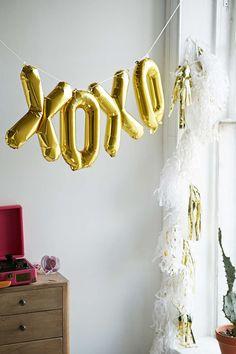 Northstar XOXO Balloon Kit - Urban Outfitters