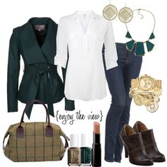 Love the pretty green jacket/coat and the brown of the shoes is so rich looking :)