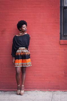 "Prints are never going to go out of style and a great way to incorporate them into your wardrobe is to use African prints! Here are a bunch of ways to rock African fabric (also called ""ankara"", ""ke… African Inspired Fashion, African Print Fashion, Fashion Prints, African Prints, African Attire, African Wear, African Dress, African Outfits, African Style"