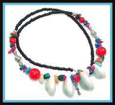 Suze likes, loves, finds and dreams: Sea Weekend Giveaway 1: Gemstone & Shell Necklace